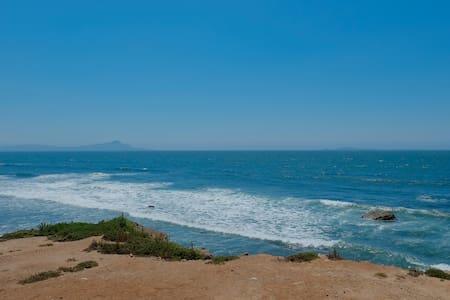 Ensenada / Valle de Guadalupe / Surf Beach C