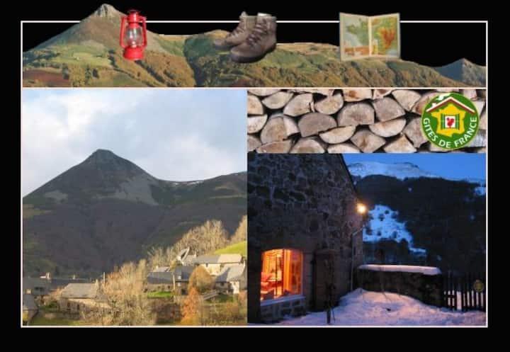 La Pierre du Loup / Volcan du Cantal