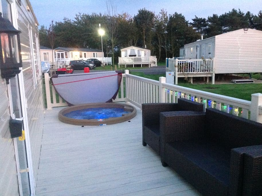 Kingfisher Caravan 8 Berth Hot Tub Tattershall Bungalows For Rent In Tattershall England