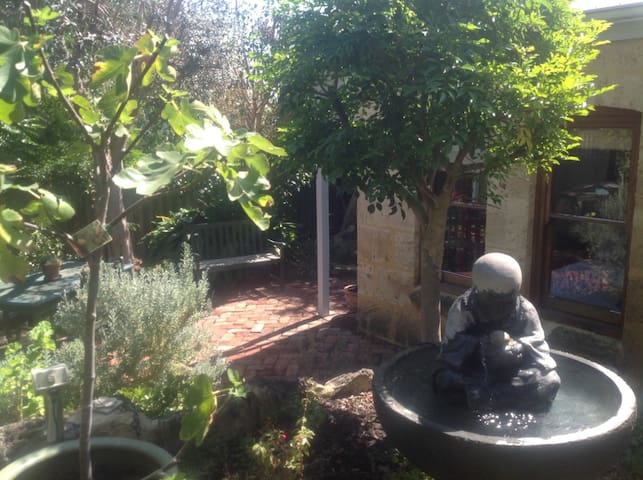 SELF CONTAINED FREMANTLE STUDIO - Beaconsfield - Gastsuite