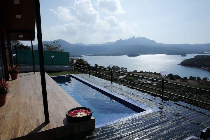 Divine Villa With Private Swimming Pool and Lawn