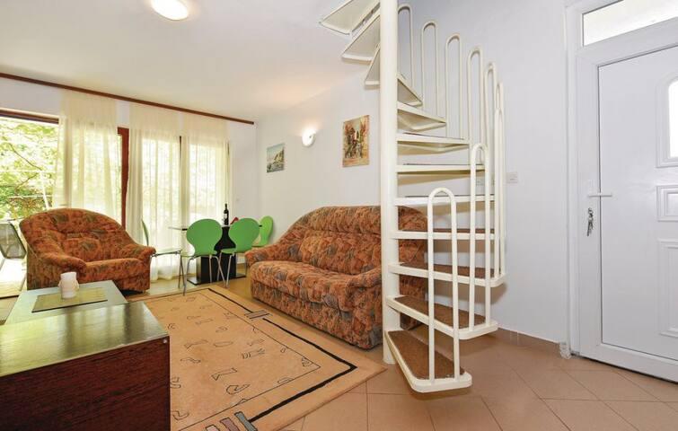 Kuća za odmor - oaza mira u Pirovcu