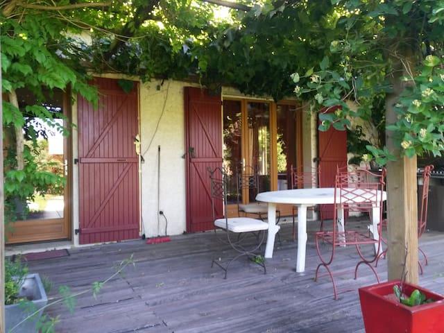 Mise au vert à proximité du Safari de Peaugres - Bogy - Casa