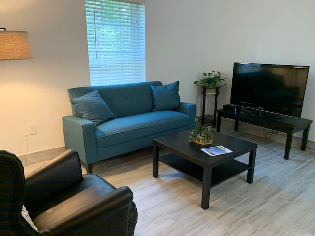 MiMo Apartment near Wynwood Downtown & Miami Beach