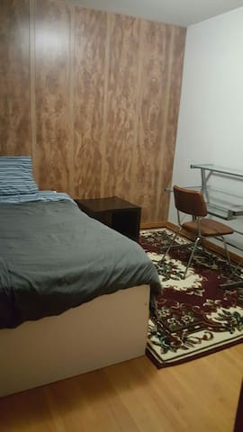 South  U Of R Close , Solo Single Bed