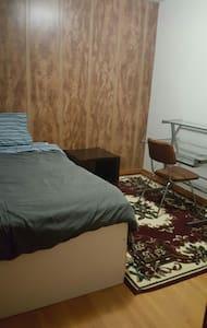 South end , Solo single bed - Regina