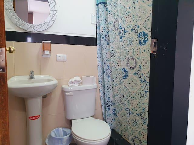 Baño dormitorio #3