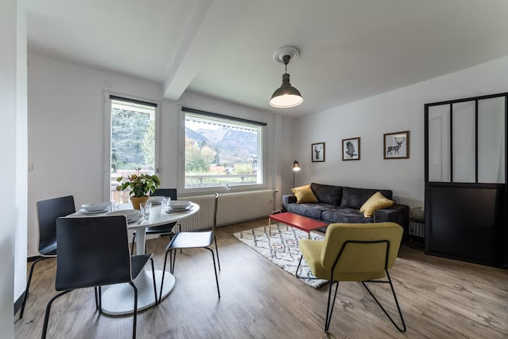 Modern Ski Bike Apartment Morzine 1000