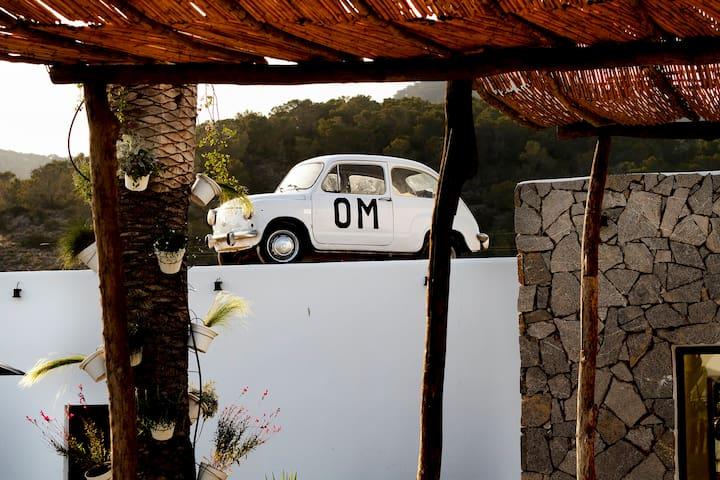 Om Hotels, Economy Double Room