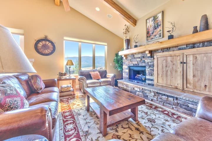 Seeking a 6 Bedroom 6 Bathroom Home in Eden? This one checks all of the boxes!