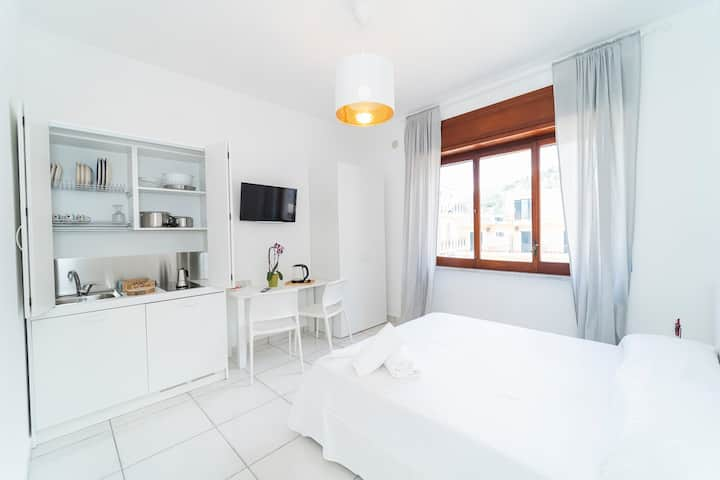 """""""Dolce"""" luxury apartment in the town center"""