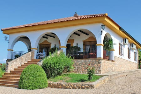 Villa con acceso piscina