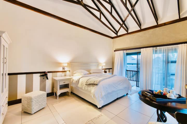 Onse Khaya Lodging & Conferencing- Deluxe Rooms