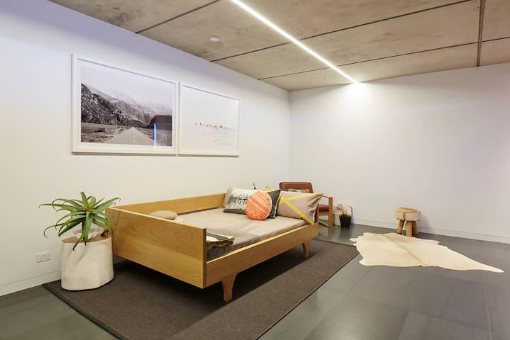 Oceanfront Studio – Bungan Beach - Newport - Bed & Breakfast