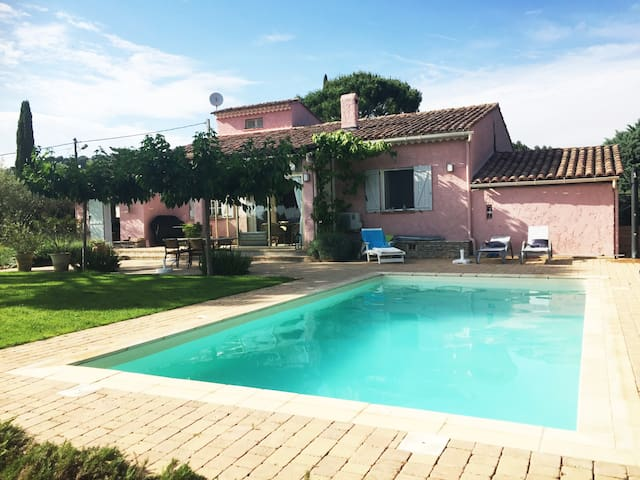 Charmante Provence Villa mit privatem Pool