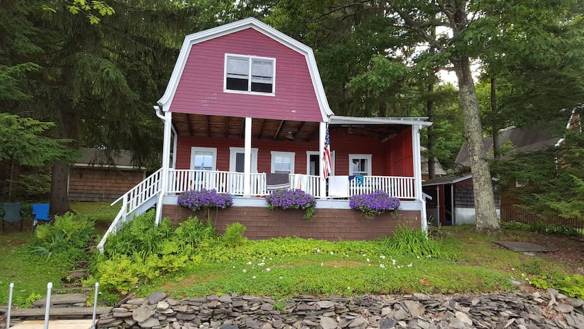 Arnold's Lake House - Milford - Cottage