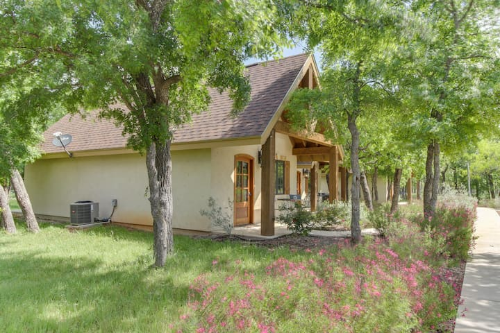 Enjoy a private deck, walk to wineries & tasting rooms!