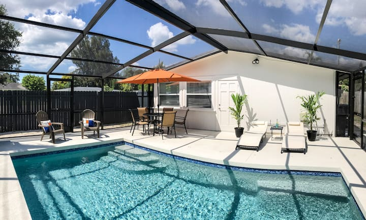 Beautifully Remodeled Home with Pool Near Siesta