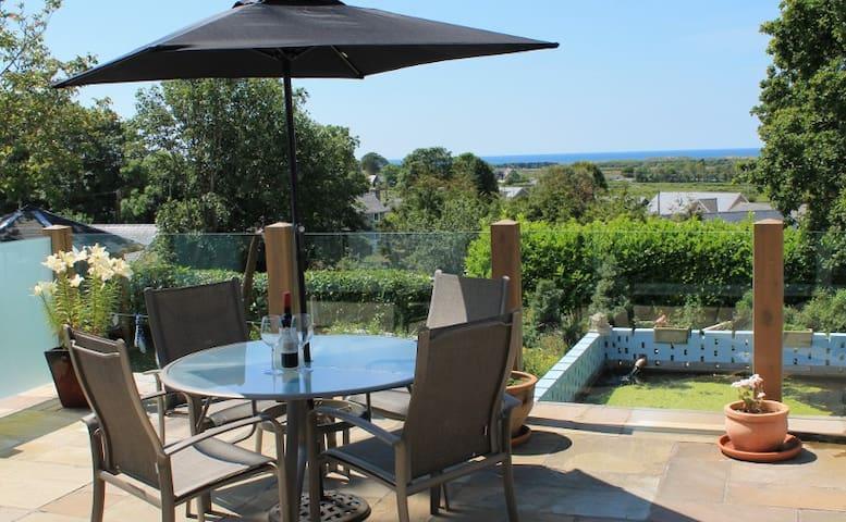 Bungalow with beautiful sea views - Dyffryn Ardudwy - Bed & Breakfast