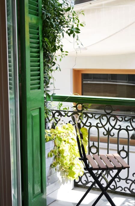 Sunny spacious restored the balcony view room for Balcony nicosia