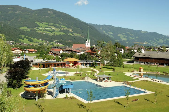 Apartment in Aschau im Zillertal with Balcony and Parking