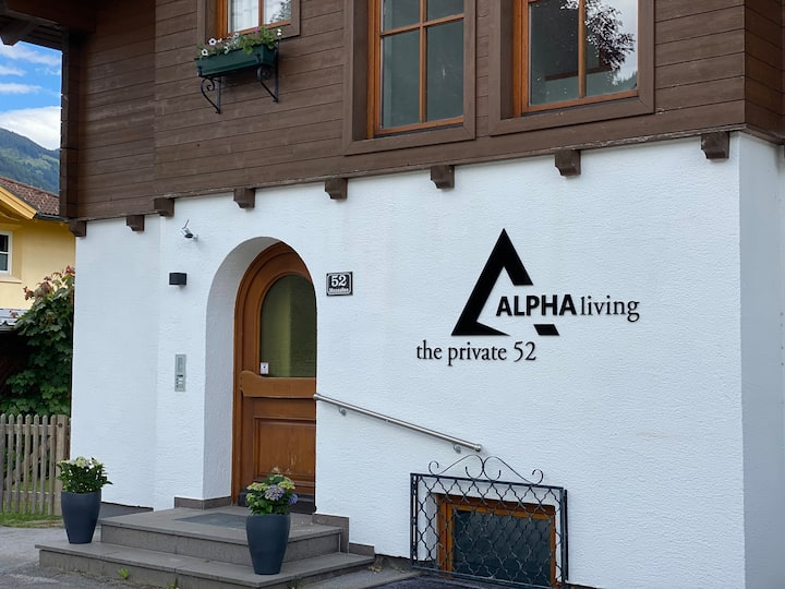 ALPHAliving the private 52