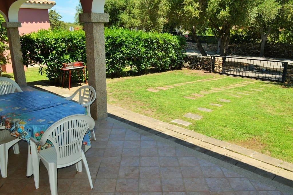 Veranda e giardino