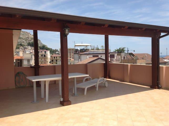Appartamento panoramico a 50m dal mare