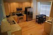 Kitchen with wet bar