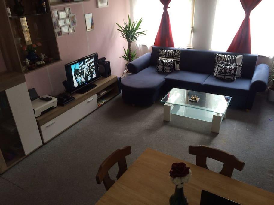 2 zimmer privat wohnung in berlin pankow appartementen te huur in berlijn berlijn duitsland. Black Bedroom Furniture Sets. Home Design Ideas