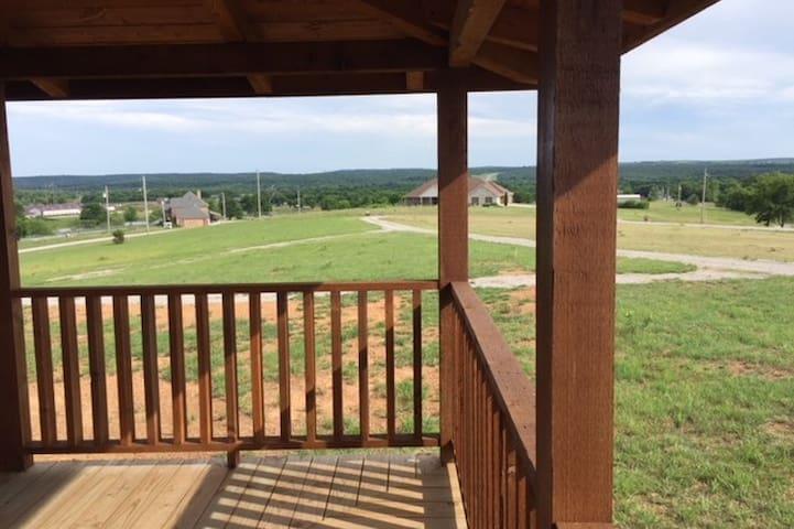 Gunker Ranch / Log Home