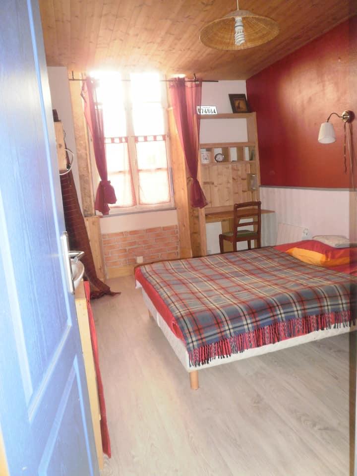 petite chambre cosy près cathédrale,entrée indépendante