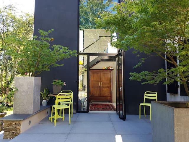 Chambres, jardin, piscine chauffée. - Surzur - Dům
