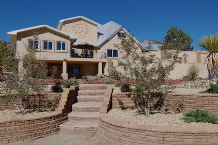 Luxurious and Secluded - Albuquerque