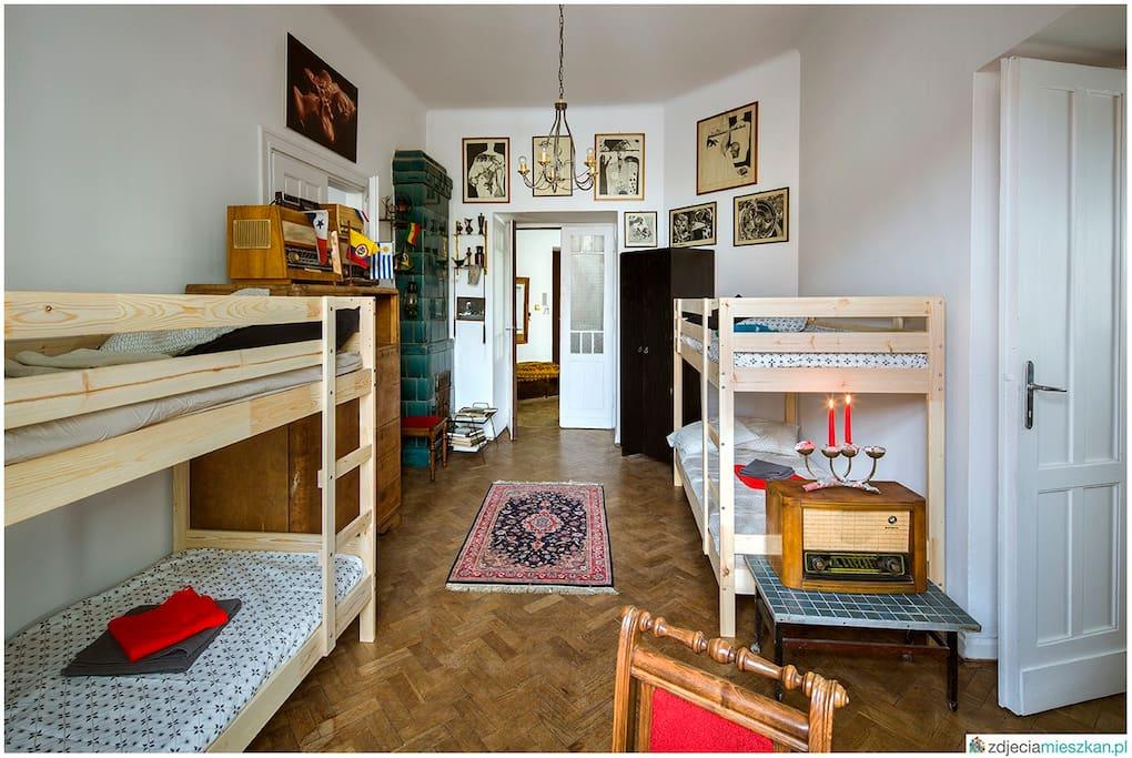 Bedroom - 4 beds