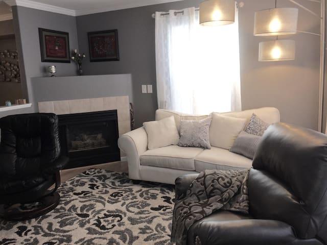 Denver West Townhouse Airbnb
