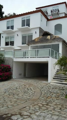 Acapulco beautiful home exclusive