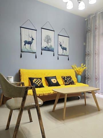 一室一厅大床房,连住优惠,可月租