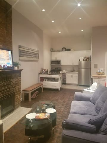 Private Room in Large Two-floor Apt w/ Backyard