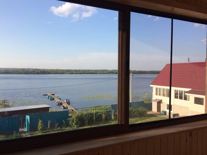 Дом/коттедж с видом на реку