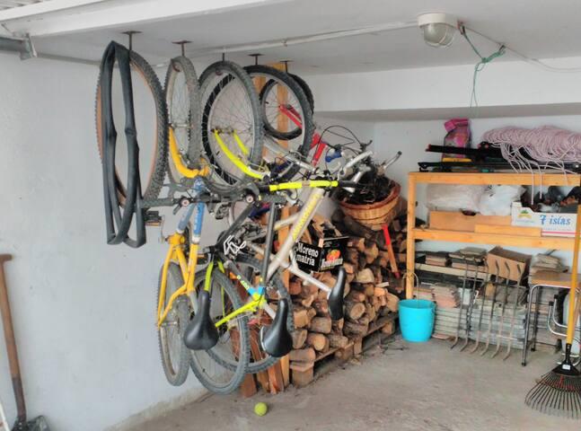 Garaje. Zona para bicicletas