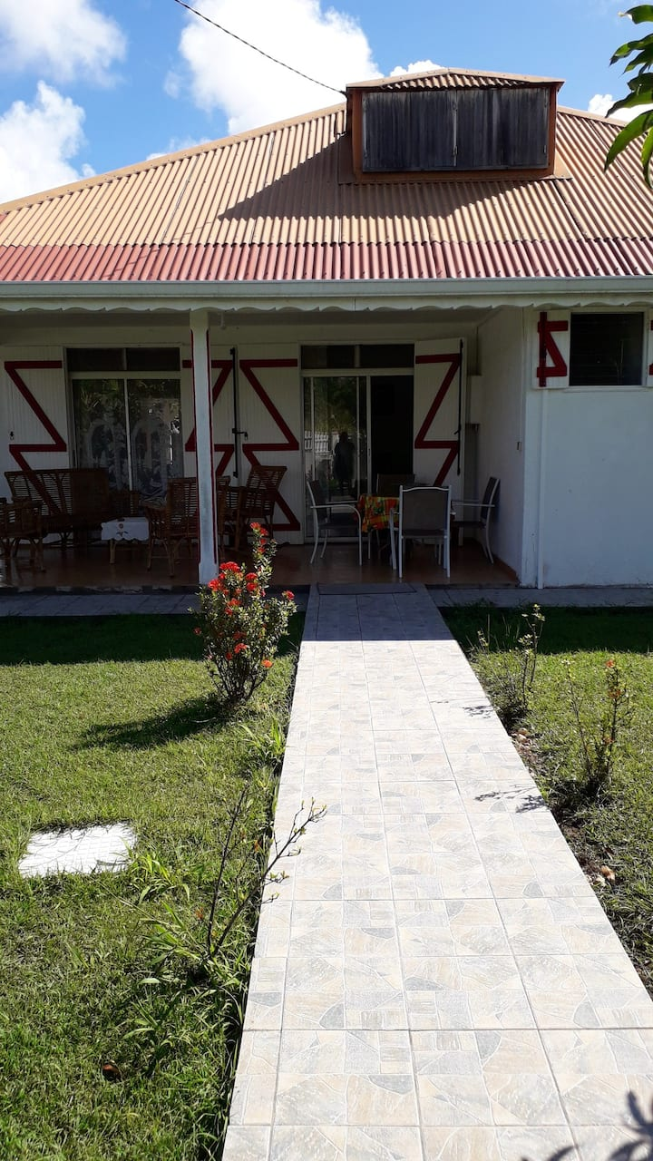 House with 3 bedrooms in Port-Louis, with enclosed garden and WiFi - 500 m from the beach