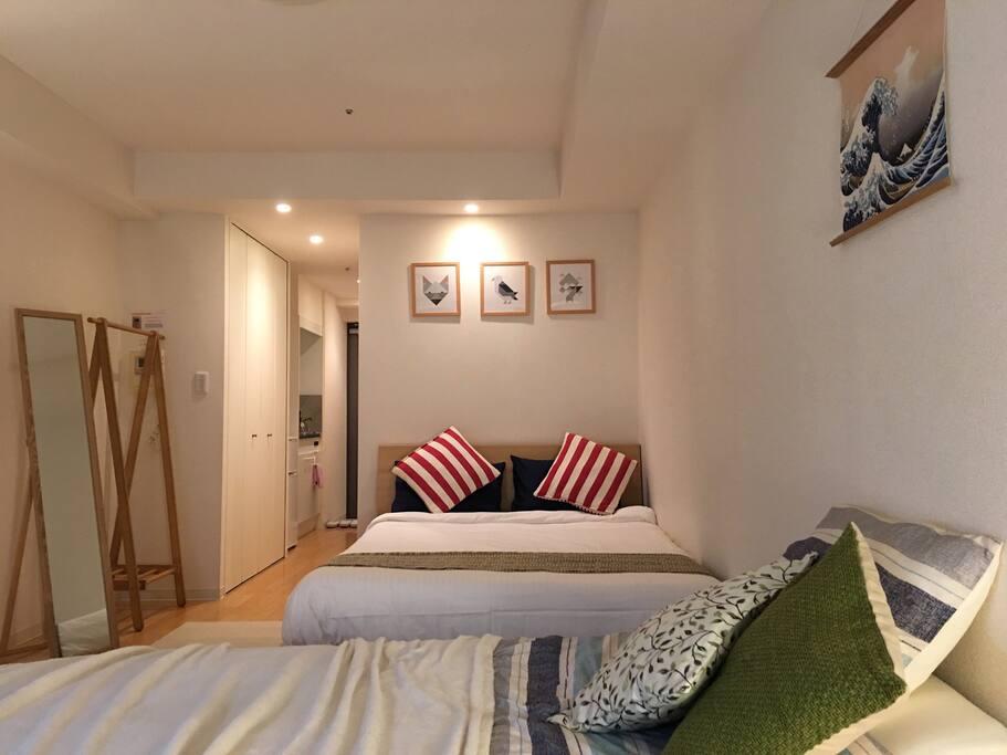 Super comfy quality double bed with rebounding texture pillows 舒适优质双人床垫 , 独特的高质量枕头
