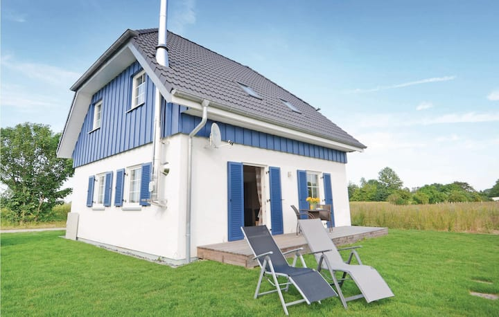 Holiday cottage with 3 bedrooms on 120m² in Altefähr/Rügen