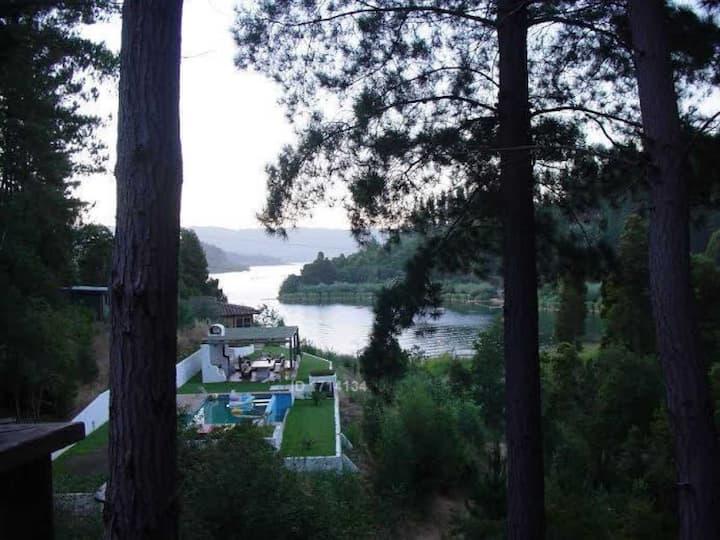Casa en el lago para 2 familias