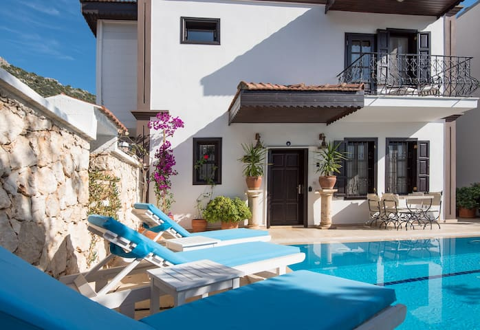 Townhouse, sleeps 4, Private Pool - Kalkan - House