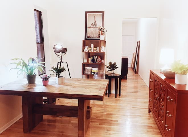 Large Gorgeous BR in Artist Loft - BEST Location!!