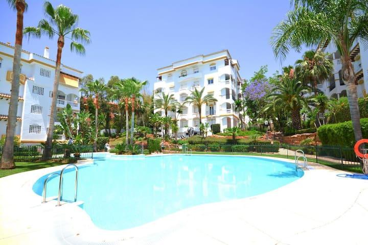 MILLA DE ORO EN MARBELLA - Marbella - Apto. en complejo residencial