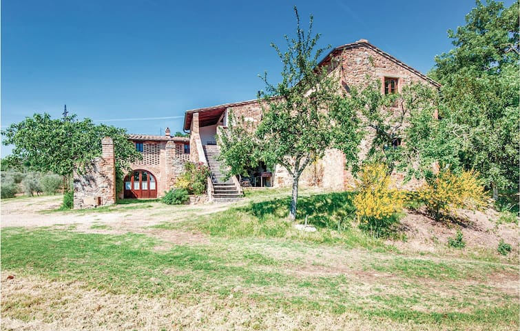 Holiday apartment with 4 bedrooms on 170m² in S. Quirico d'Orcia SI