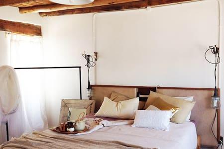 The Barn bedsit cottage @HUIS- a villagestay - McGregor - Huis